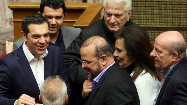 Tsipras en il parlament.
