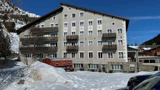 Il hotel Grischuna è il mument anc avert, ponderescha dentant da serrar sch'i marscha pauc.