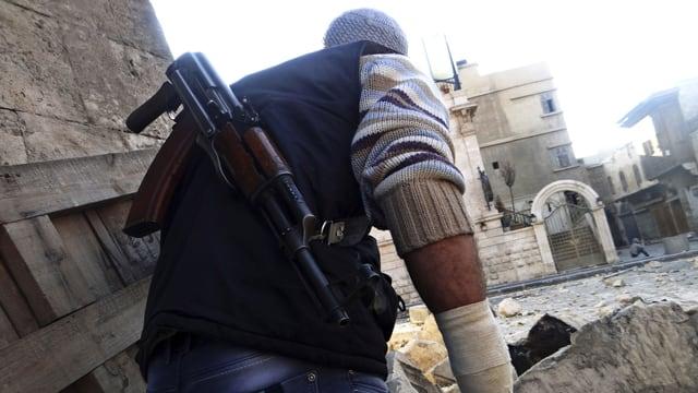 Bewaffneter Oppositioneller in Aleppo.