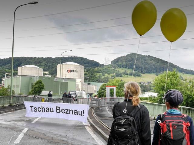 Ils 19 da zercladur 2016 èsi a Beznau vegnì demonstrà per la serrada immediata da l'ovra atomara.