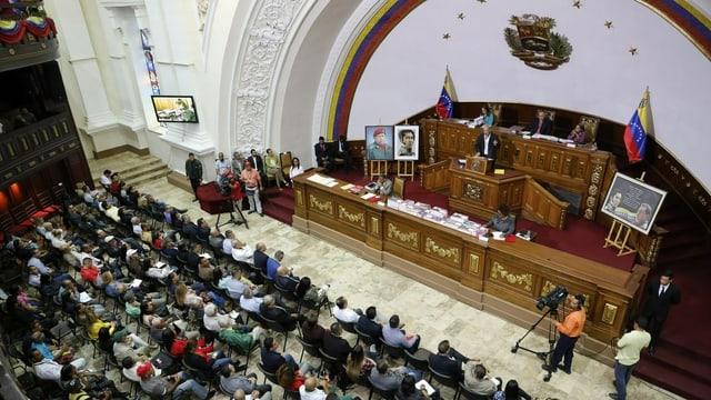 L'assamblea constituziunala
