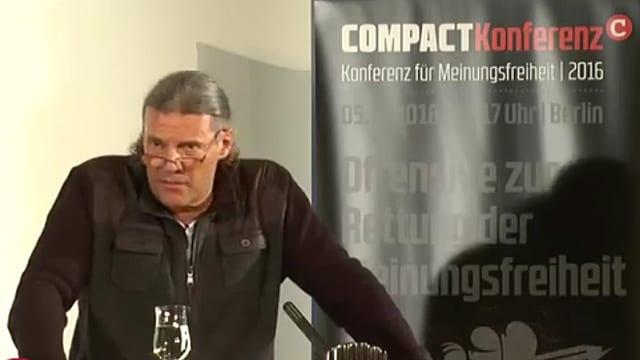 Oskar Freysinger bei seiner Rede.