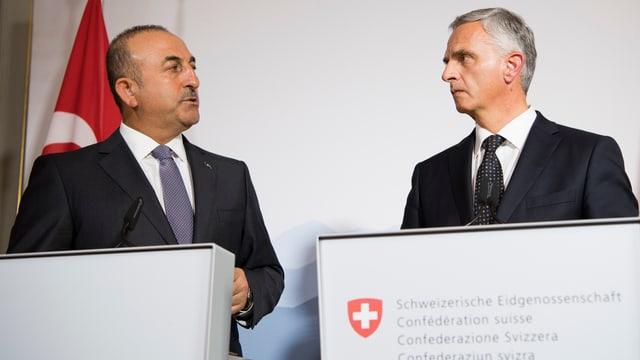 Burkhalter mit seinem türkischen Amtskollegen in Bern.