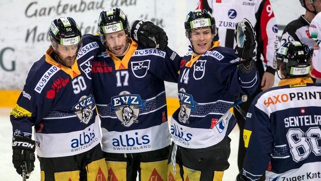 Giugaders dal club da hockey EV Zug