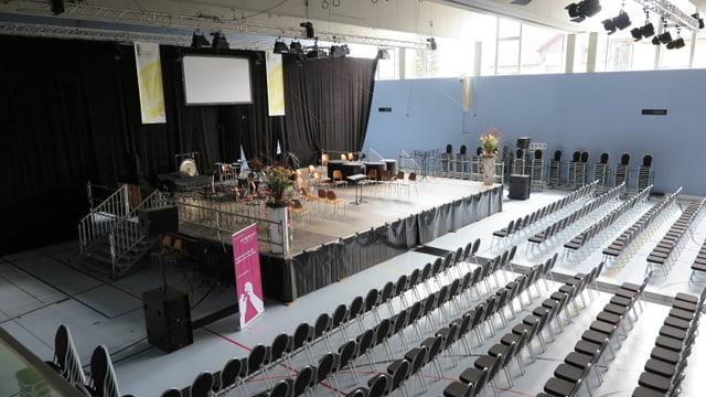 Der bestuhlte Konzertsaal vor dem Musiktag.