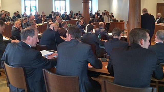 Schwyzer Kantonsrat während der Sitzung im Ratssaal