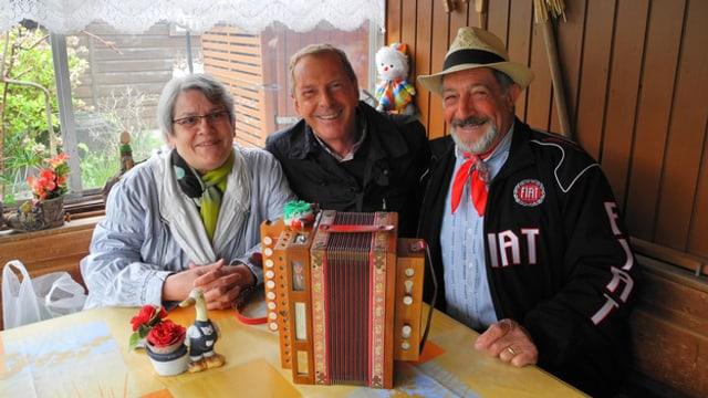 Video «Durch die Blume - Familiengarten Allmend, Luzern» abspielen