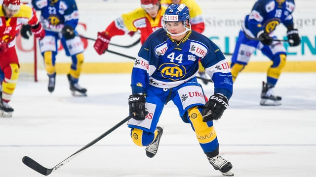 Il Finlandais Ville Koistinen en il dress dal HCD en acziun.