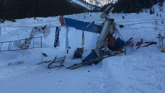 Das zerstörte Kleinflugzeug in Arosa.