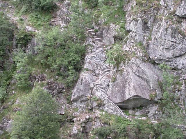 Bergflanke mit Stufen