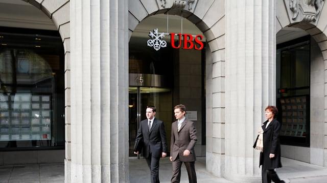 Der Eingangsbereich des UBS-Hauptsitzes an der Zürcher Bahnhofstrasse.