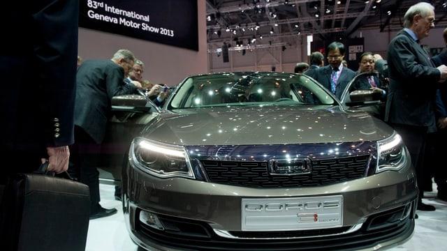 Der Autohersteller Qoros präsentiert seinen Mittelklassewagen am Genfer Autosalon.
