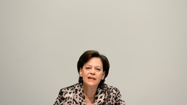Ursula Gut im Lepoardenjaquet.