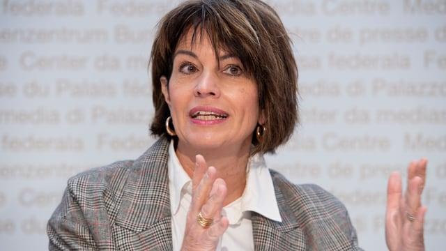 Doris Leuthard durant conferenza da pressa.