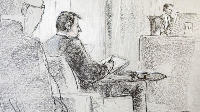 Zeichnung. Man sieht einen Mann mit überschlagenen Beinen vor einem Richter.