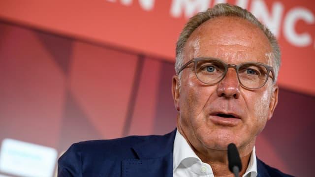Bayern-Präsident Karl-Heinz Rummenigge an einer Medienkonferenz.