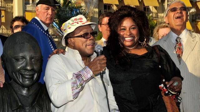 Claude Nobs, Chaka Khan und Quincy Jones und seine Büste