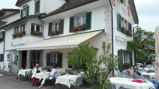 Video «Restaurant Schützenhaus in Stäfa - Tag 3» abspielen