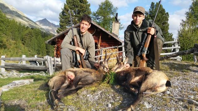 Marco e Gildo Hohenegger cun lur predas.
