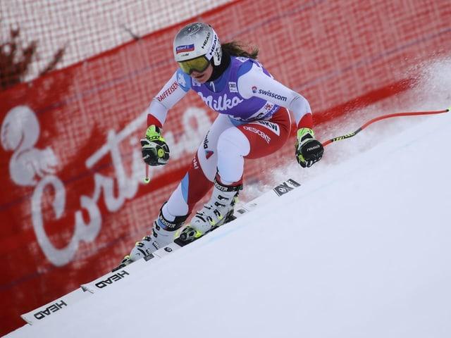 Corinne Suter im Abfahrtstraining von Cortina d'Ampezzo.