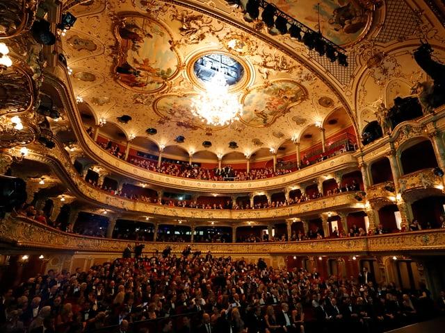 Der Innenraum des Zürcher Opernhauses.