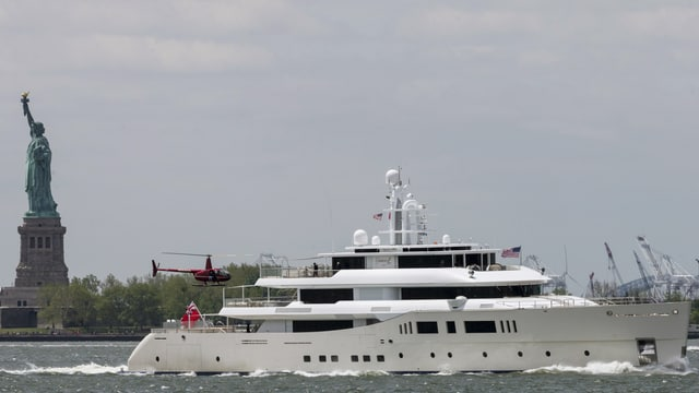 Eine Yacht.