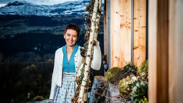 Flurina Candinas auf ihrem Hof