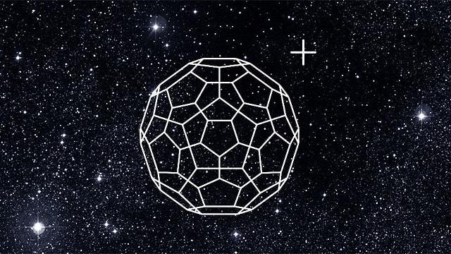 Buckminster-Fulleren mit Sternenhimmel