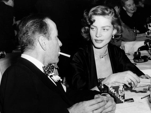 Bacall neben Bogart.