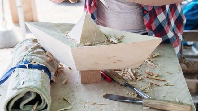 Segelschiffchen aus Holz