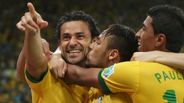 In Basel werden Stars wie Fred (l.) und Neymar (Mitte) zu bestaunen sein.