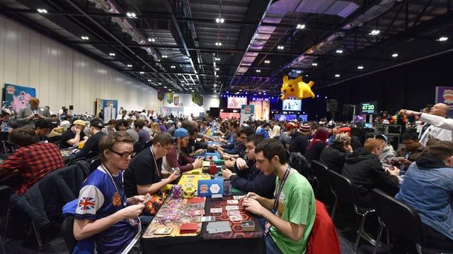 An internationalen Wettkämpfen wie diesem 2017 in London nehmen Hunderte von Spielern teil.