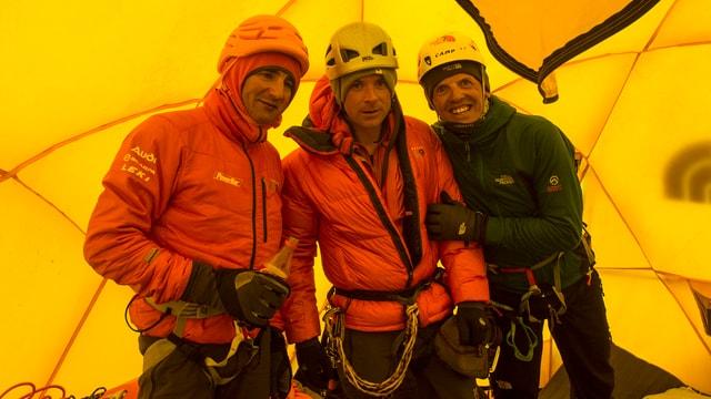 Die Bergsteiger Ueli Steck, Jonathan Griffith und Simone Moro.