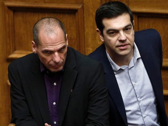 Tsipras und Varoufakis nebeneinander.
