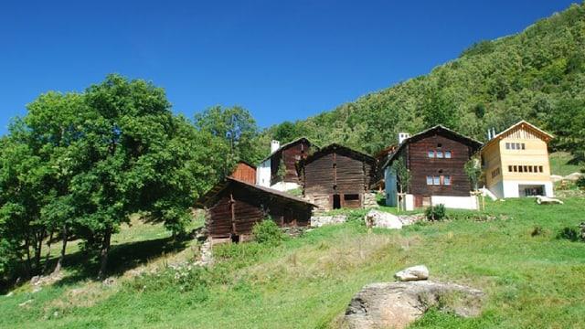 Das Dorf Ossona.