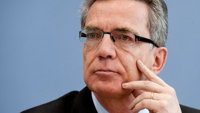 Porträtbild des deutschen Innenministers Thomas de Maizière.