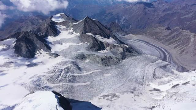 Luftaufnahme eines Gletschers