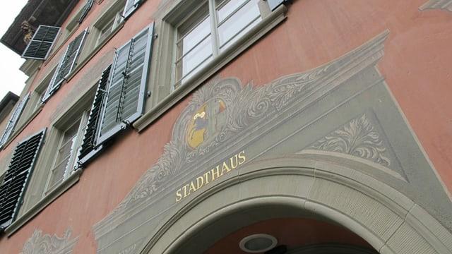 Der Eingang zum Schaffhauser Stadthaus.