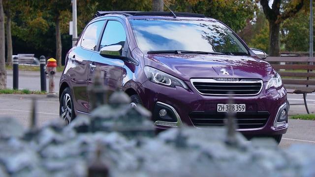 Video «Peugeot 108, Faszination Nummernschild, Foto-Kunst mit Oldtimern» abspielen