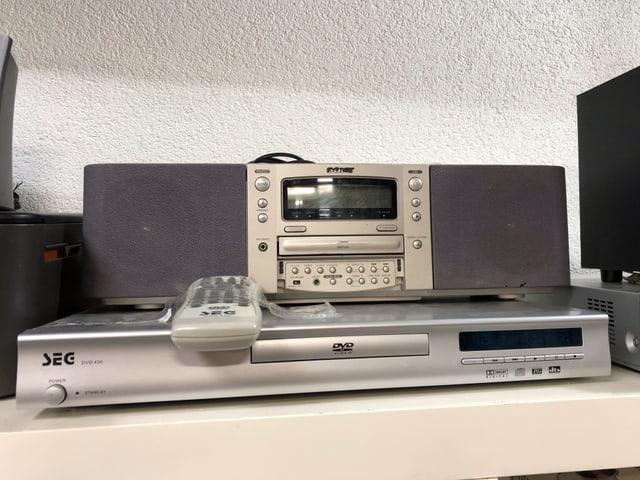 Radio und DVD Player
