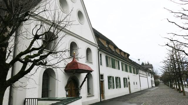 Aussenansicht des Frauenklosters in Sarnen.