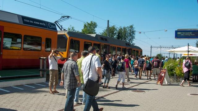 Bis 11. Mai hätl unter den Wochenenden kein Zug mehr an der Station Uetliberg.