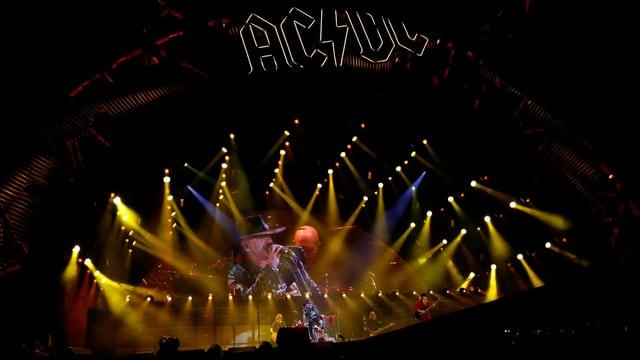 AC/DC sin tribuna.