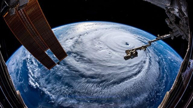 Il hurican Florence sin in maletg or da la staziun spaziala ISS.