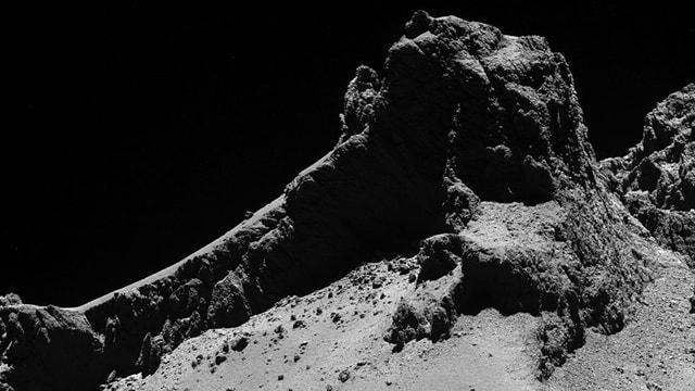 Ein Fels auf dem Kometen Tschuri