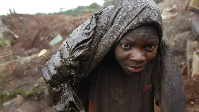 uffant african lavura en ina mina