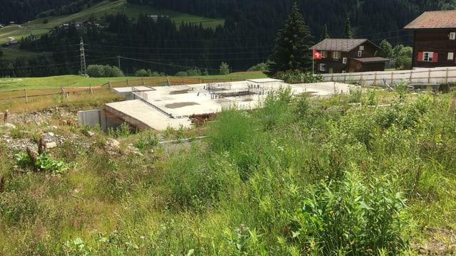 L'areal da l'anteriur hotel Alpsu/Oberalp crescha en