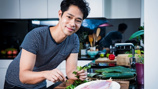 Video ««SRF bi de Lüt – Männerküche»: See Siang Wong (ZH)» abspielen
