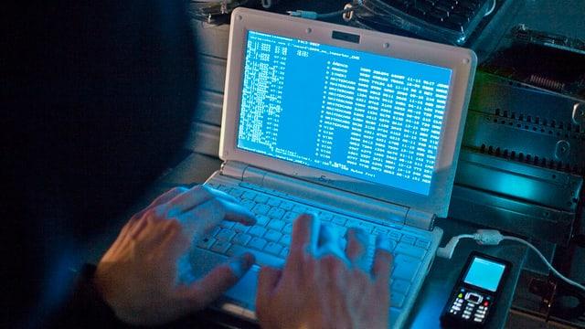 In hacker vi da la lavur.