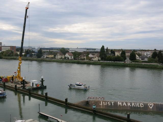 Hafen Kleinhüningen und Merlin von oben.